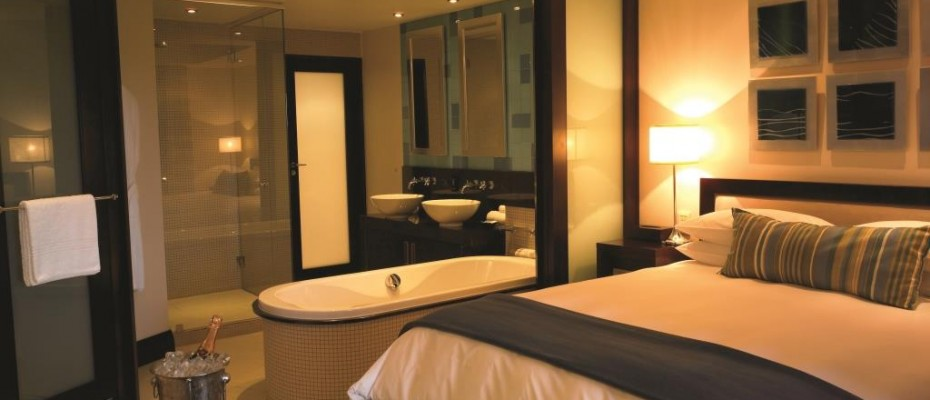 Luxury hotel Bedroom - Kwazulu Natal - Pam Golding Hospitality Partners - Luxury hotel for sale