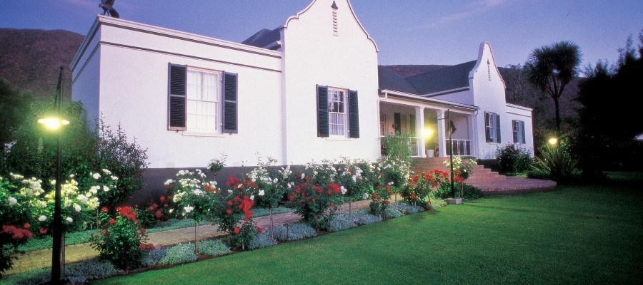 Country Guesthouse - Pam Golding Hospitality Partners - Five Star Cape Dutch Guesthouse in the Klein Karoo