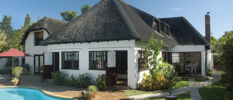 Guesthouse Yard - Pam Golding Hospitality Partners - Guesthouse In Stellenbosch Campus