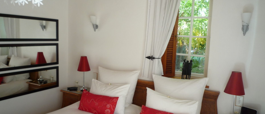 cosy bedroom - Trendy Five Star Boutique Guest Retreat – 1 ha with possibility to add 2 more hectares
