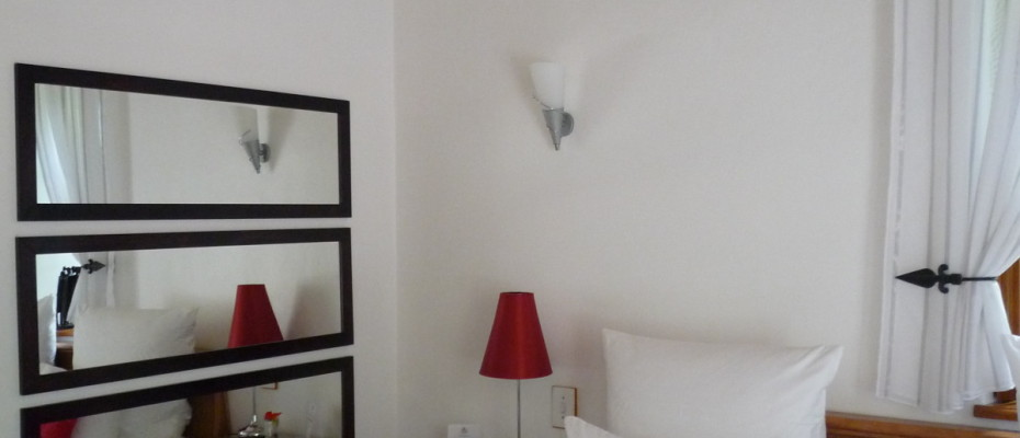 bedroom2 - Trendy Five Star Boutique Guest Retreat – 1 ha with possibility to add 2 more hectares
