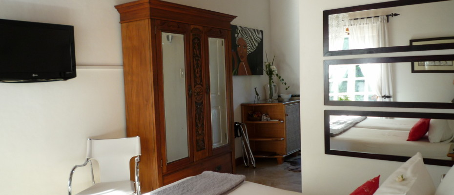 bedroom5 - Trendy Five Star Boutique Guest Retreat – 1 ha with possibility to add 2 more hectares
