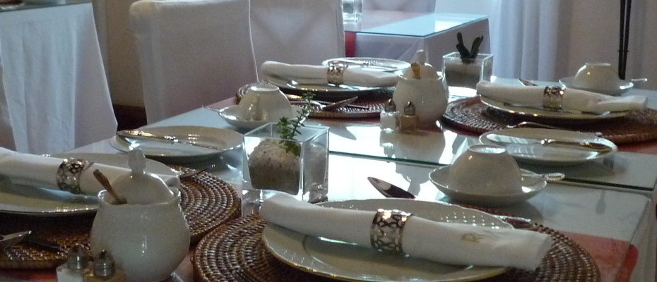 breakfast4 - Trendy Five Star Boutique Guest Retreat – 1 ha with possibility to add 2 more hectares