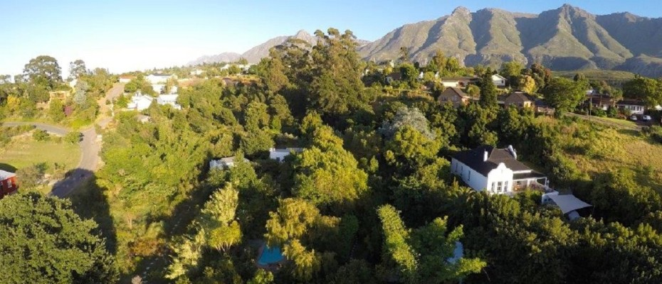 Swellendam Guest House (46) - Luxurious Four Star Country Cottages and Separate Owners House