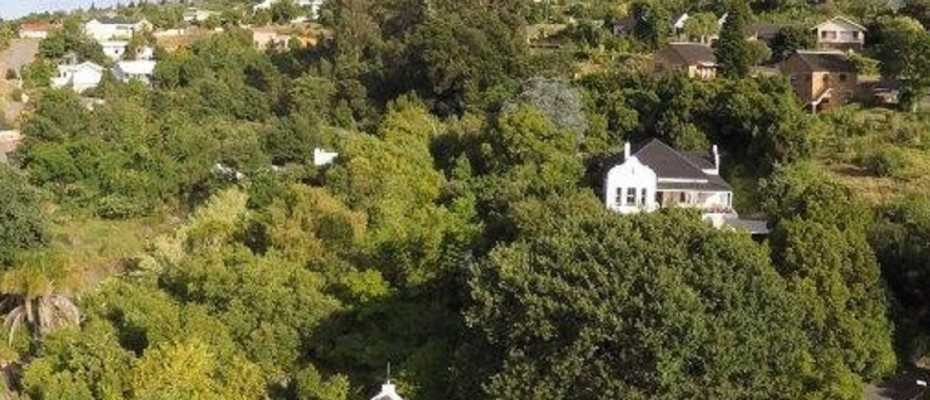 Swellendam Guest House (49) - Luxurious Four Star Country Cottages and Separate Owners House