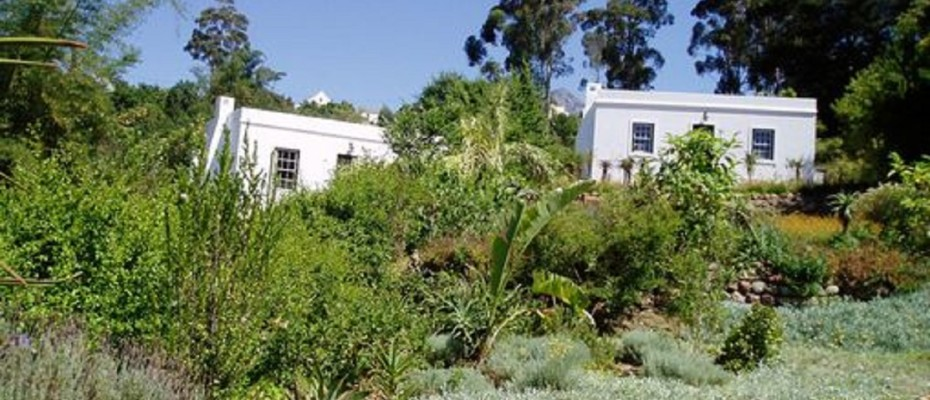 Swellendam Guest House (53) - Luxurious Four Star Country Cottages and Separate Owners House