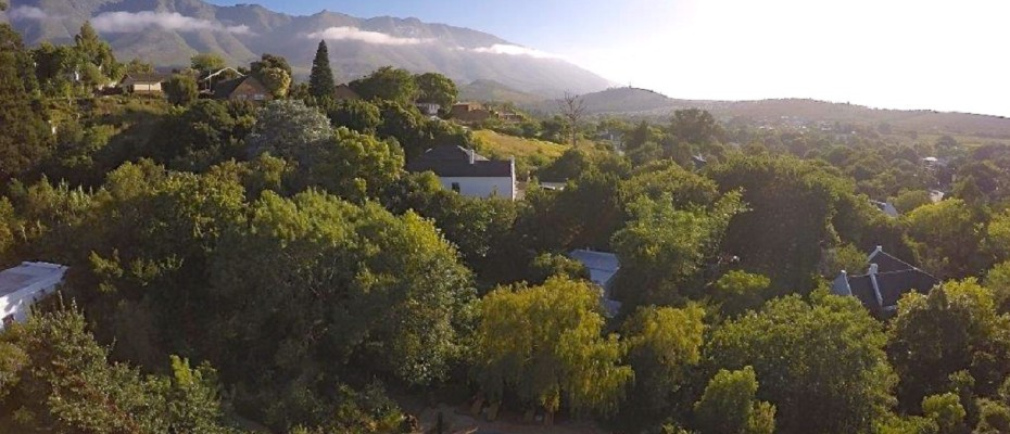 Swellendam Guest House (56) - Luxurious Four Star Country Cottages and Separate Owners House