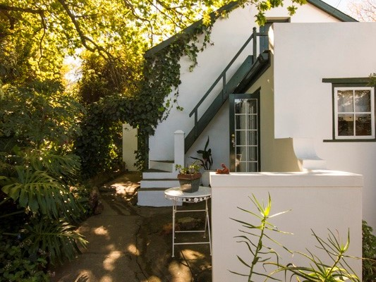 Swellendam Guest House (67) - Luxurious Four Star Country Cottages and Separate Owners House