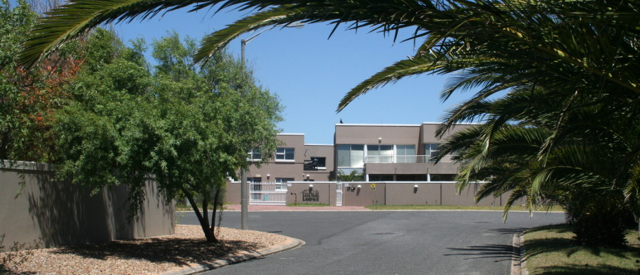 Backpackers - Milnerton (11) - Upmarket Backpackers In  Sought After Area Of Cape Town