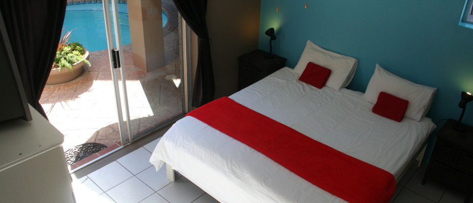 Backpackers - Milnerton (32) - Upmarket Backpackers In  Sought After Area Of Cape Town