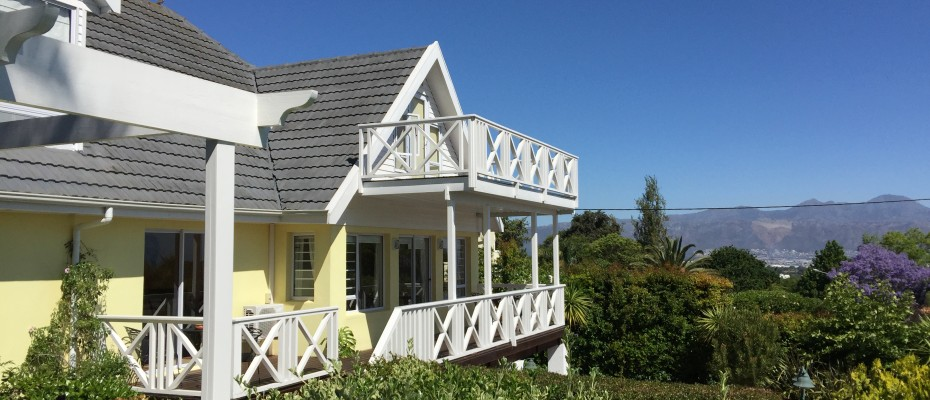 Guest House - Somerset West  (15) - Magnificent Property With Uninterrupted Ocean Views