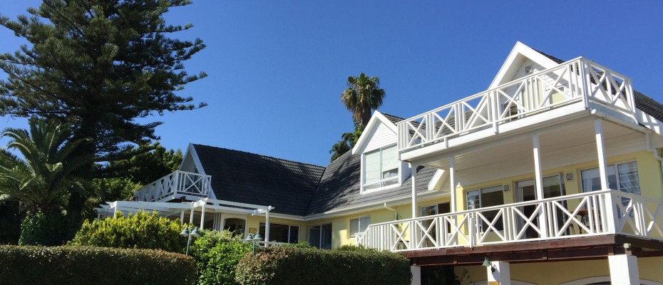 Guest House - Somerset West  (2) - Magnificent Property With Uninterrupted Ocean Views