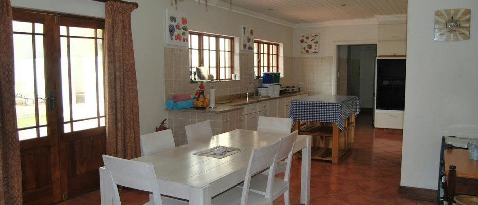 kitchen 2 - Four Star 6 room guesthouse with cottage and separate owner's apartment. Room to expand.
