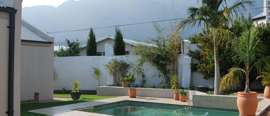 pool 2 - Four Star 6 room guesthouse with cottage and separate owner's apartment. Room to expand.
