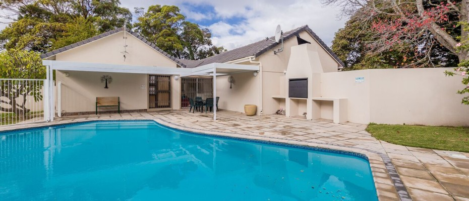 Guesthouse - Tokia13 - Established 5 Bedroom self-catering Guesthouse in Tokai