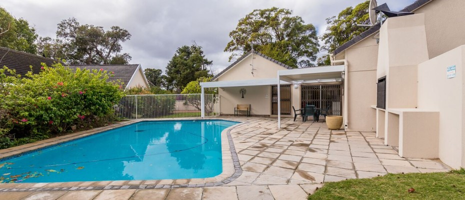 Guesthouse - Tokia14 - Established 5 Bedroom self-catering Guesthouse in Tokai