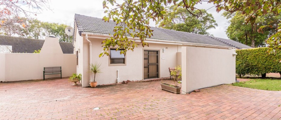 Guesthouse - Tokia15 - Established 5 Bedroom self-catering Guesthouse in Tokai