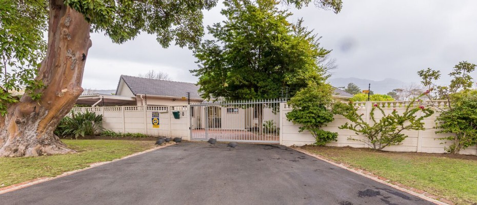 Guesthouse - Tokia16 - Established 5 Bedroom self-catering Guesthouse in Tokai