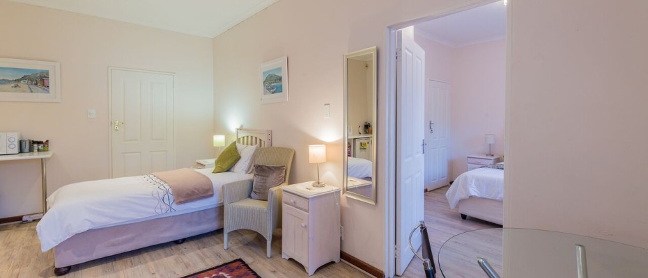 Guesthouse - Tokia2 - Established 5 Bedroom self-catering Guesthouse in Tokai