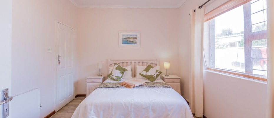 Guesthouse - Tokia4 - Established 5 Bedroom self-catering Guesthouse in Tokai