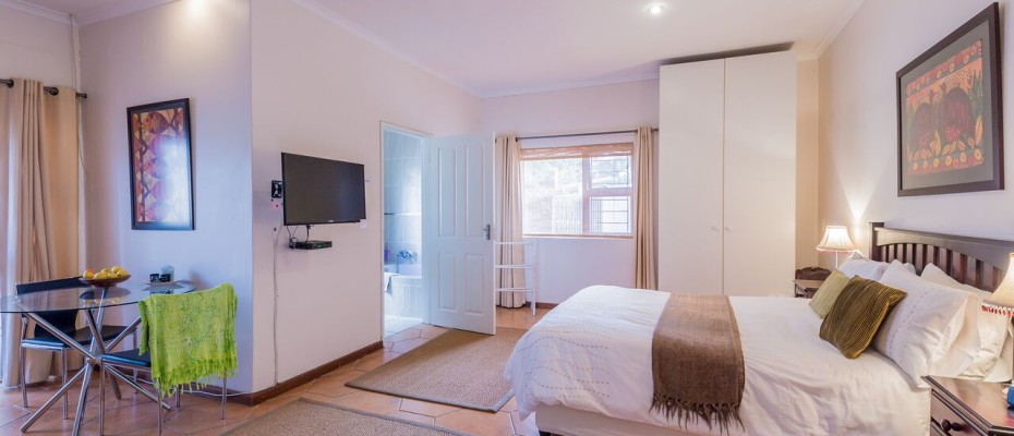 Guesthouse - Tokia5 - Established 5 Bedroom self-catering Guesthouse in Tokai