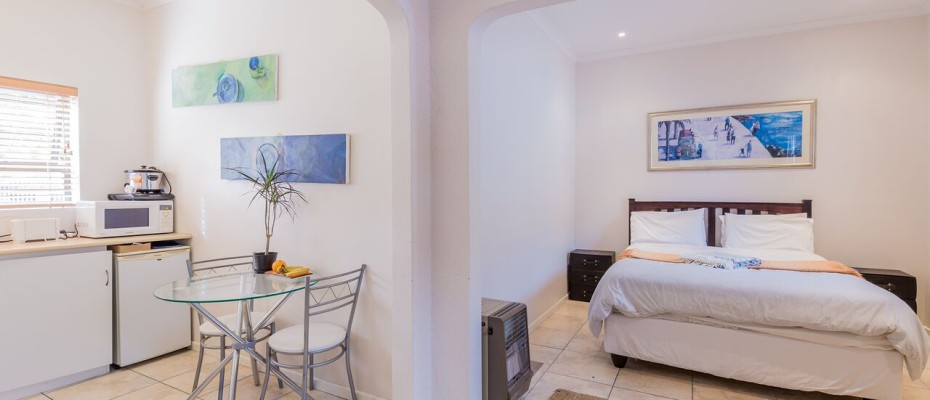 Guesthouse - Tokia7 - Established 5 Bedroom self-catering Guesthouse in Tokai