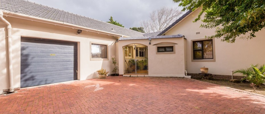 Guesthouse - Tokia9 - Established 5 Bedroom self-catering Guesthouse in Tokai