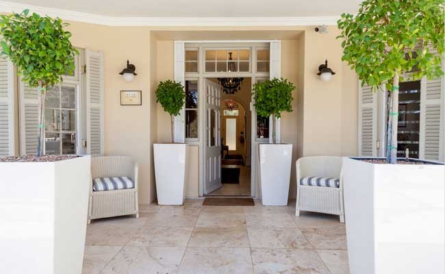 aubergedaniellaexterior - Four Star Self Catering Country Guesthouse Situated in Franschhoek