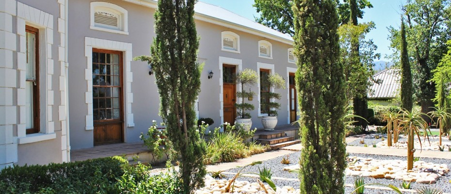 18 - CHARMING GUEST HOUSE SITUATED IN THE CAPE WINELANDS