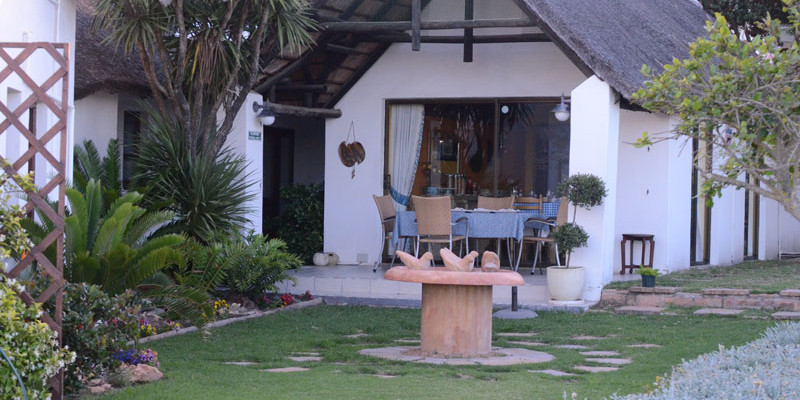 St Francis Bay 8 - Four Star Guesthouse with Breathtaking views of the Sea and Mountains, St Francis Bay