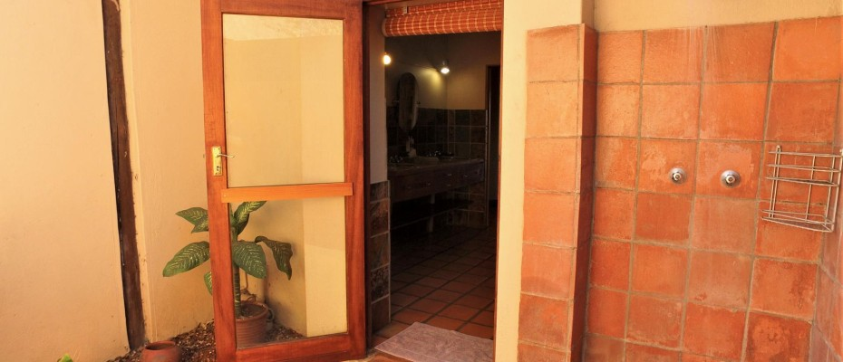 DCIM101MEDIADJI_0204.JPG - Luxurious Guesthouse Bordering the Kruger Park and overlooking the Crocodile River – Under Offer