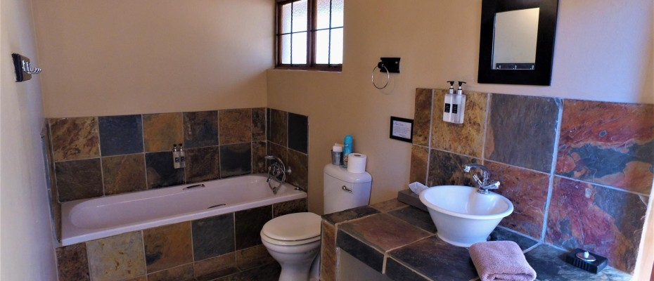 DCIM101MEDIADJI_0252.JPG - Luxurious Guesthouse Bordering the Kruger Park and overlooking the Crocodile River – Under Offer