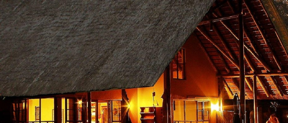 buckler's by night - Copy - Luxurious Guesthouse Bordering the Kruger Park and overlooking the Crocodile River – Under Offer