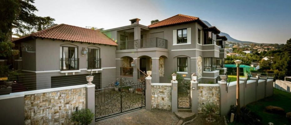 Main Pic - 5-Bedroom House – with Unique Opportunity to Create a 5-star Guesthouse