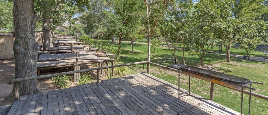 11_MG_1838 camp site decks - Stylish River Lodge with Camp Site Situated in the Heart of the Robertson Wine Valley