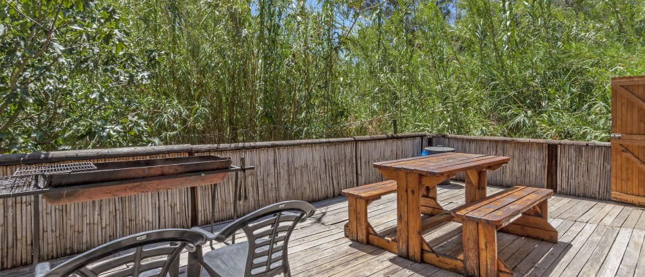 175_MG_2016 Fishermans cabin deck - Stylish River Lodge with Camp Site Situated in the Heart of the Robertson Wine Valley