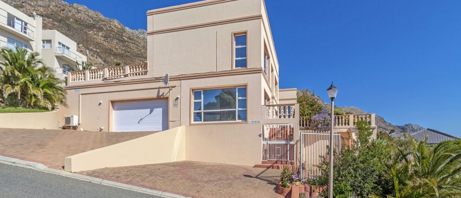 05_MG_4972 - 5 Bedroom Guesthouse – Gordons Bay – Mountainside
