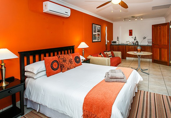 4 - 8 Room Guesthouse – Oudtshoorn