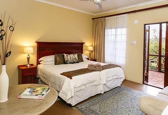 a - 8 Room Guesthouse – Oudtshoorn