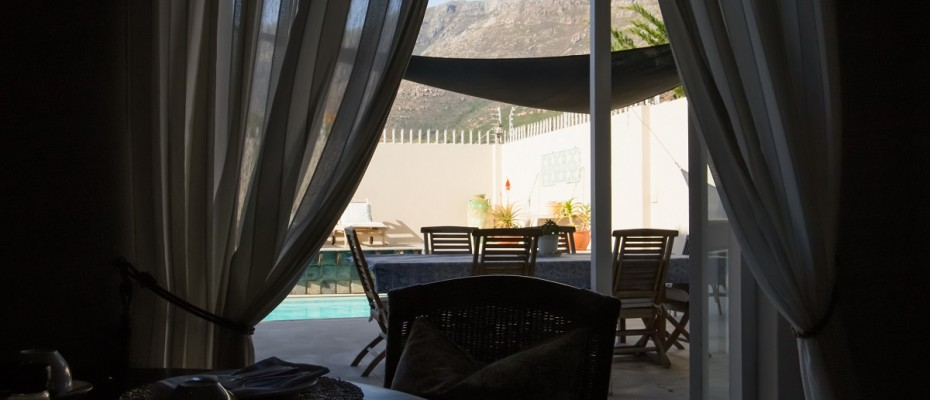 Beach House - Large-23 - Popular Guesthouse Located on Hout Bay beach, 9 rooms plus Owner's apartment and Manager's room