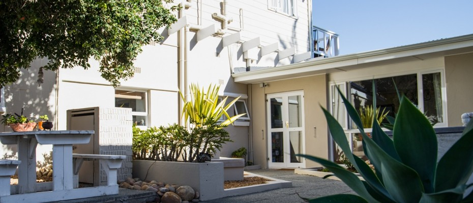 Beach House - Large-33 - Popular Guesthouse Located on Hout Bay beach, 9 rooms plus Owner's apartment and Manager's room