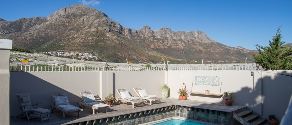 Beach House - Large-44 - Popular Guesthouse Located on Hout Bay beach, 9 rooms plus Owner's apartment and Manager's room