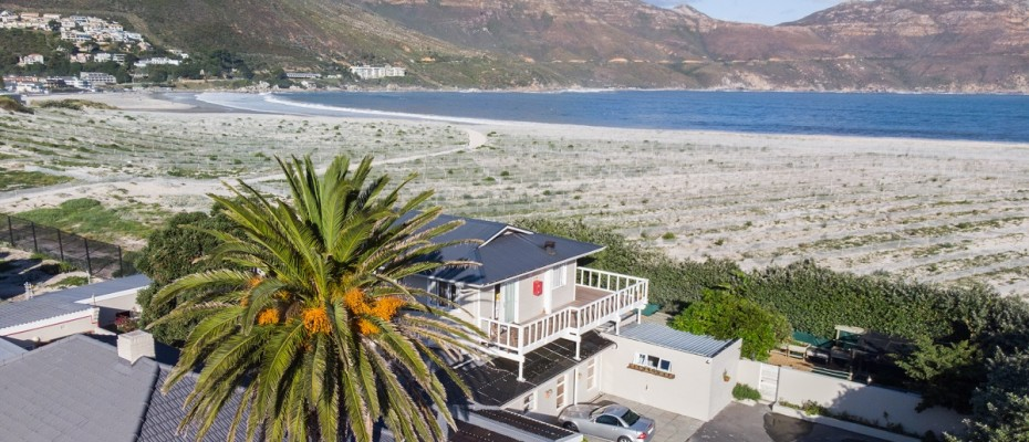 Beach House - Large-60 - Popular Guesthouse Located on Hout Bay beach, 9 rooms plus Owner's apartment and Manager's room