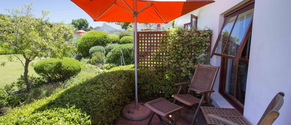 Room 3 patio 2015 - 4-Star Guest House with Owner's Accommodation – Constantia – Cape Town