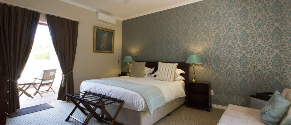 gardenking1bed1 - 4-Star Guest House with Owner's Accommodation – Constantia – Cape Town