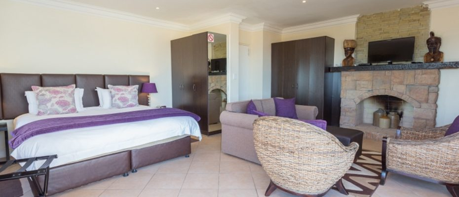 1 (11) - 4 star Guesthouse – Gordon's Bay – 7 guestrooms, spacious 2 bedroom owner's apartment, manager's apartment plus additional room to expand