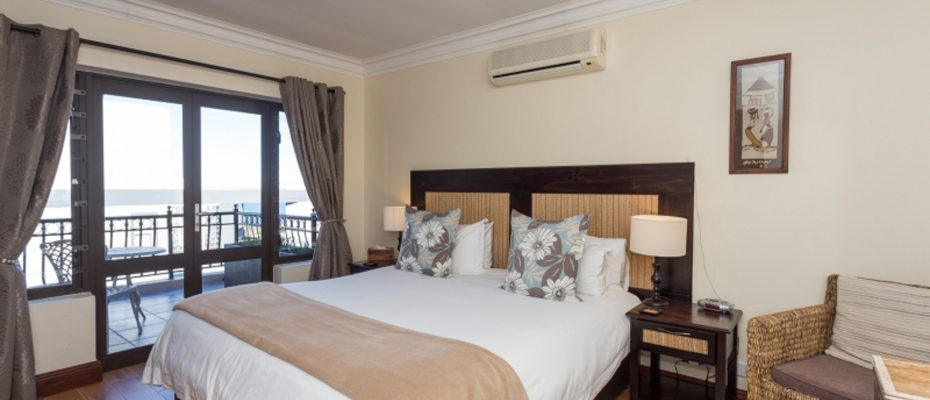 1 (17) - 4 star Guesthouse – Gordon's Bay – 7 guestrooms, spacious 2 bedroom owner's apartment, manager's apartment plus additional room to expand