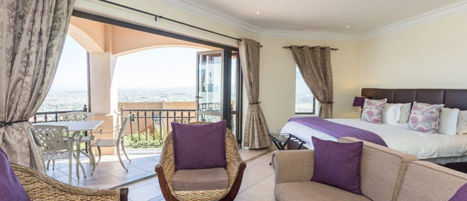 1 (22) - 4 star Guesthouse – Gordon's Bay – 7 guestrooms, spacious 2 bedroom owner's apartment, manager's apartment plus additional room to expand