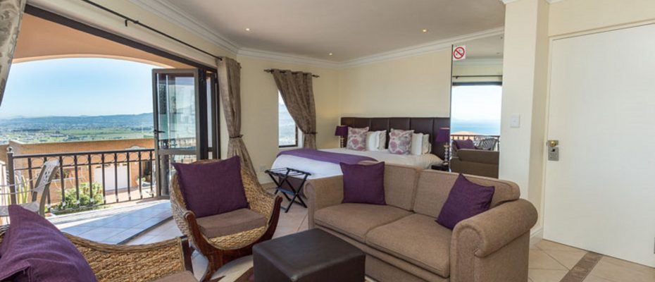 1 (7) - 4 star Guesthouse – Gordon's Bay – 7 guestrooms, spacious 2 bedroom owner's apartment, manager's apartment plus additional room to expand