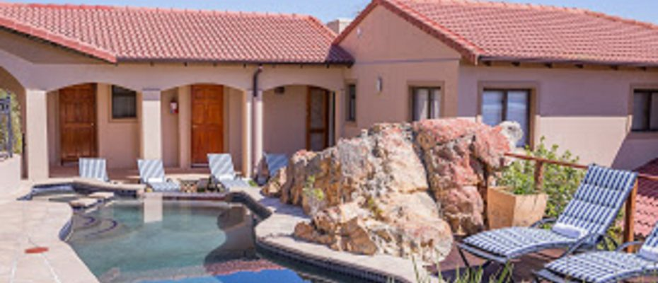 25 - 4 star Guesthouse – Gordon's Bay – 7 guestrooms, spacious 2 bedroom owner's apartment, manager's apartment plus additional room to expand
